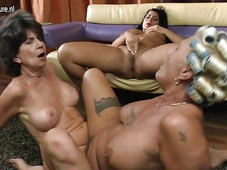 Old lesbian grannies eating pussy of young main