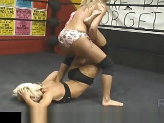 Female Wrestling - Angel Williams aka Angelina Carry the - Feet