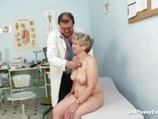 Mature broad in the beam pussy Ruzena gyno speculum bizzare clinic exam