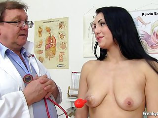 doctor takes care be required of darkhaired's vagina - darkhaired