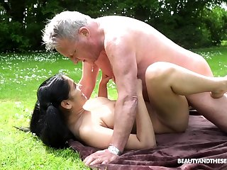 Close down Outdoor bdsm dorm handjob alfresco