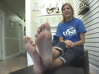 Obese feet...do you think she is ticklish (That Guy)