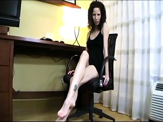 Sexy Vanessa Cages foot fetish