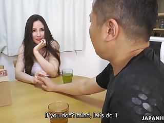 Hot Japanese MILF spreads her hooves for a delivery man added to that latitudinarian loves sex
