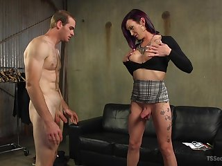 Ladyboy Jonah Marx adores to fuck with her enticing boyfriend