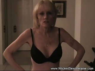 Unrestrained Sexy Melanie gives the sexiest blowjob here.