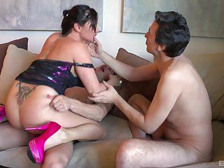 Aroused mommy fucked by the personate daughter and yoke of his friends