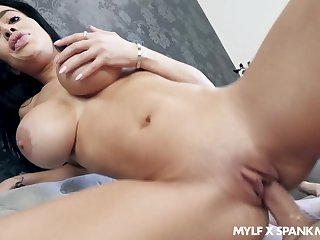 Victoria June's big boobies look great when she's titty fucking a stiffy