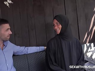 Czech slut roughly a black robe and with a groupie scarf, Naomi Bennet is often satisfying men