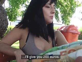 Amateur Sherry Vine takes money to pleasure a outsider less outdoors