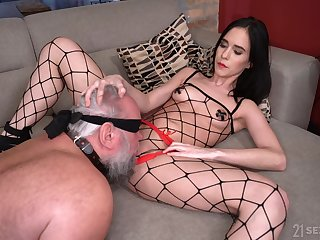 Hardcore fucking between an old guy and provocative Nikki Archfiend