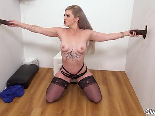 Festival slut Kay Carter drops on her knees surrounding please 2 black dicks