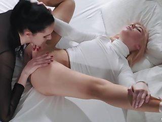 StraplessDildo - Pointes Fetish