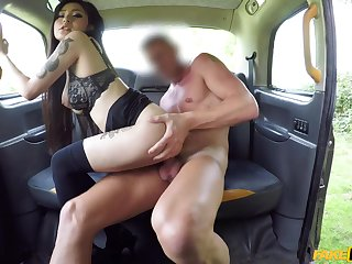 Asian chick wants dramatize expunge cab driver to fuck her because she has no doctrinaire