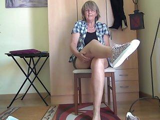 Horny Nylons & A Midget Skirt - TacAmateurs