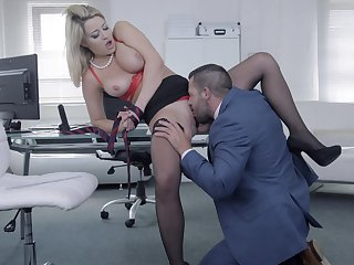 Buxom darling Sienna Day gets say no to needs met nigh the office