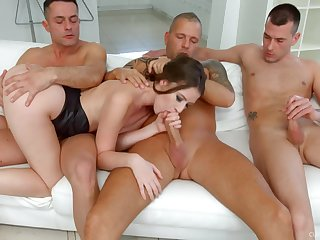 Slutty girlfriend Alessandra Amore spreads their way legs for a gangbang