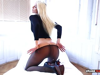 Enjoy a hot blonde stunner showing off her smoking body wide different scenarios.