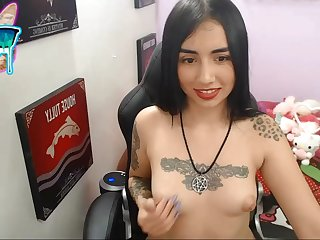 Tattoed girl simply disparage on high webcam