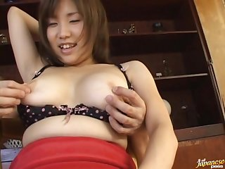 Chubby Asian model Miu Harunaga gets her pussy pleasured by her chap
