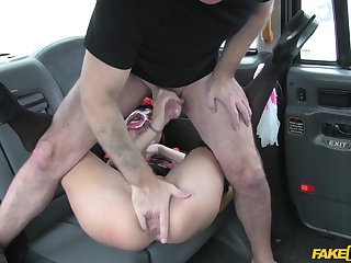 Man roughly fucked horny purchaser chiefly a difficulty round seat