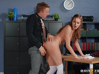 Sex-crazed man deep fucks his office colleague after the program