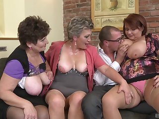 Age-old slut Hana Spidlova shares her lover with her best friends