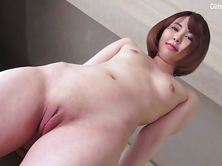perfect asian girl Yuua Emoto shows her pussy