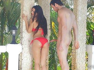 Brunette hottie Alexa Tomas drops their way bikini far disgust fucked in outdoors