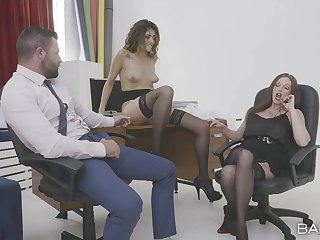 Rendezvous MILFs are narrow to share this man's dick in a rough mode