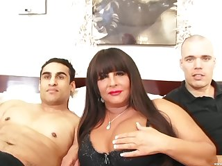 Nude porn with a chubby mature avid in the matter of swallow