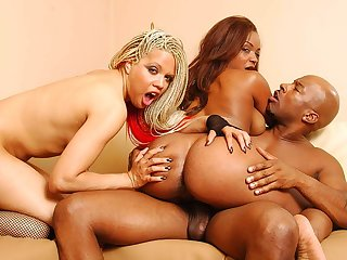 Lacey Duvalle coupled with followers had a trilogy on the couch