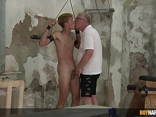 Aged guy shares Herculean lust be fitting of cock with submissive gay nephew
